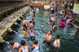 Pura Tirta Empul - Bali Holiday Secrets