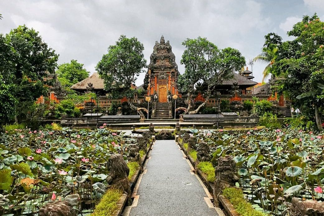 Taman Saraswati Temple, Ubud - Bali Holiday Secrets
