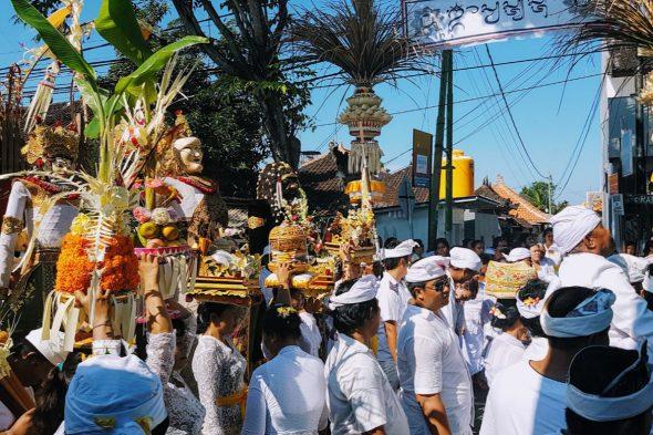 Balinese Ceremony - Seminyak Banjar - Bali Holiday Secrets