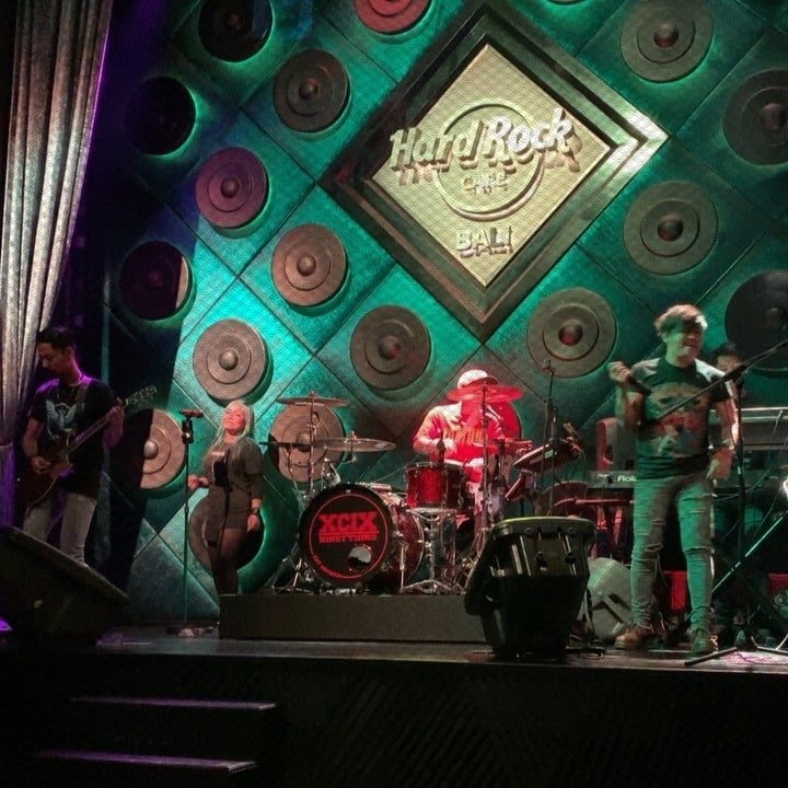 Centrestage at Hard Rock Cafe - Bali Holiday Secrets