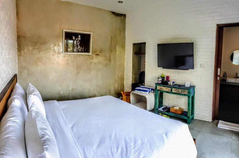 Utama's Guest House Bedroom, Keramas Beach - Bali Holiday Secrets