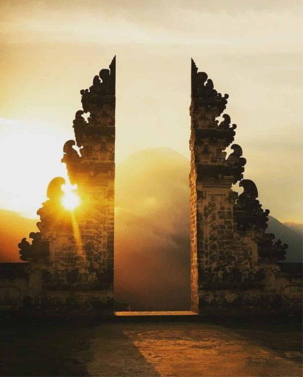 Lempuyang Temple Sunrise Tour - Bali Holiday Secrets