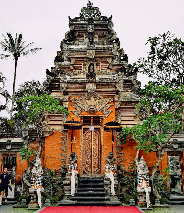 Ubud Royal Palace - Bali Holiday Secrets