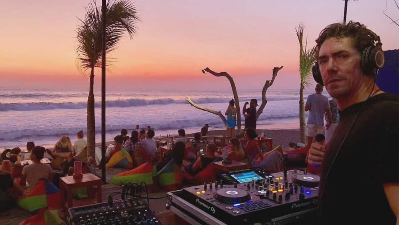707 Beachberm - Seminyak Restaurants, Cafes & Bars - Bali Holiday Secrets