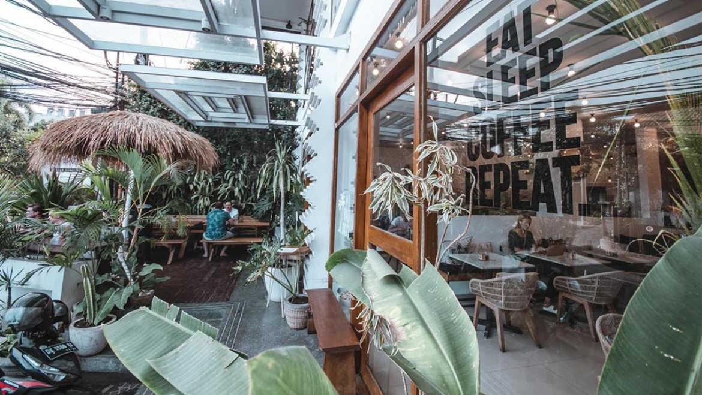 Cafe Organik - Restaurants, Cafes and Bars in Seminyak - Bali Holiday Secrets