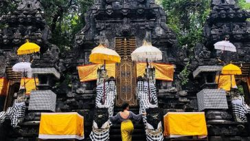 Pura Goa Lawah - East Bali Day Tour
